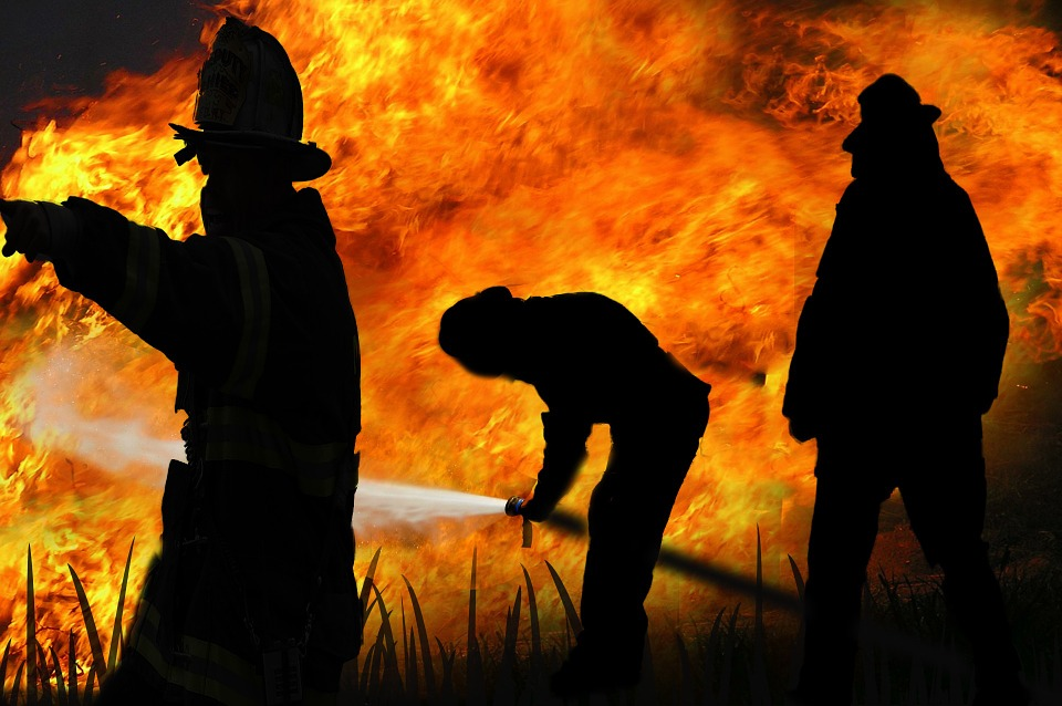 fire-fighter-278012_960_720